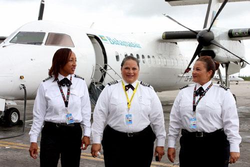 Bahamasair_new_female_pilot_captian_May_22__2012158.jpg