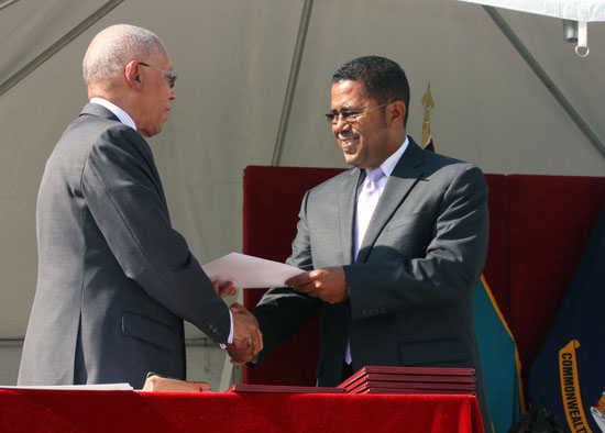 Swearing_in_Perry_Gomez_May_11__2012989.jpg