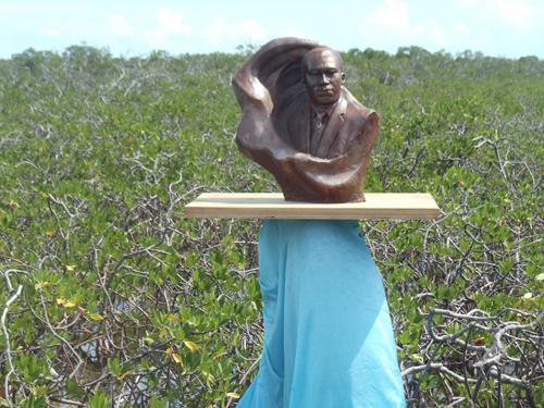 Bimini-Statue.jpg