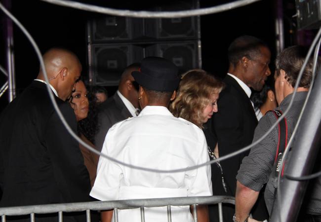 WEB_Oprah-backstage.jpg