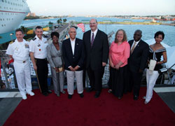 small-GG-_-USA-236th-Anniversary-of-Independence--July-3_-2012----04085.jpg