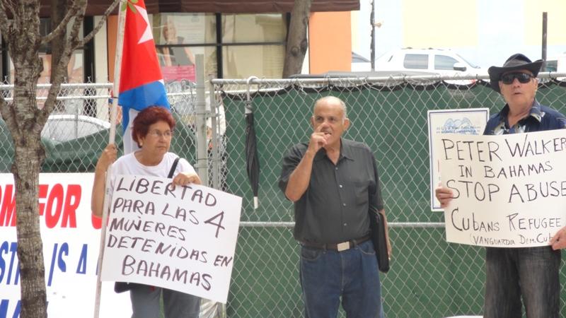 Cuban_protestorsDSC00594.JPG