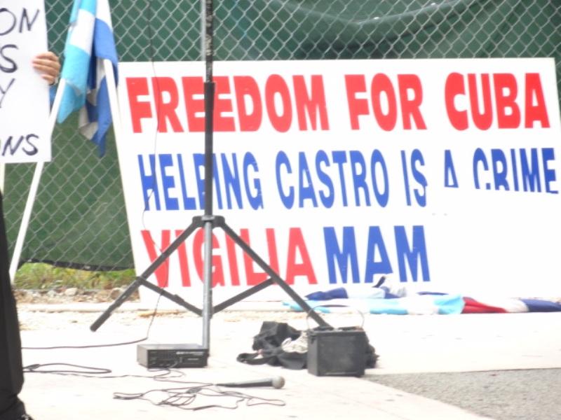 Cuban_protestorsDSC00599.JPG