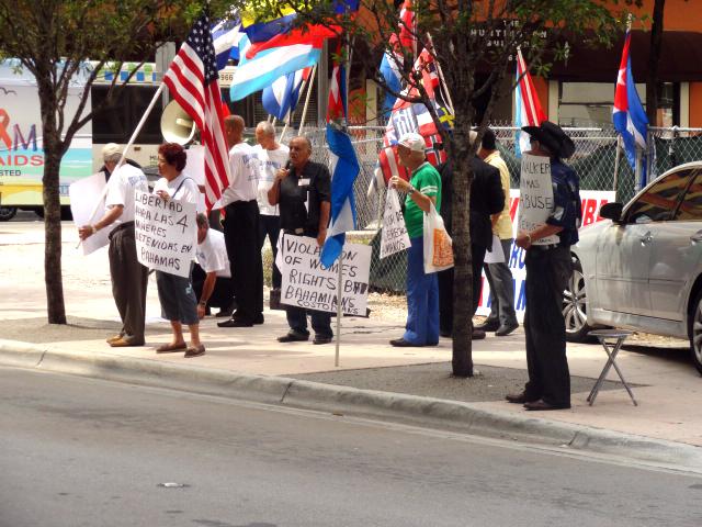 Cuban_protestorsDSC00614.JPG