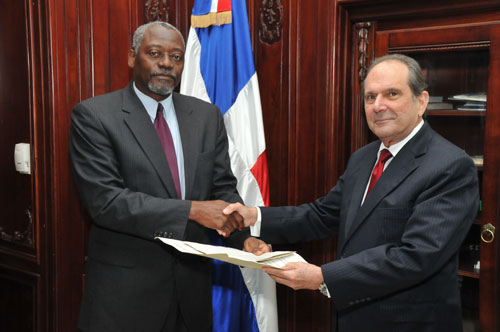 Ambassador-Presentation-at-Dominican-Foreign-Ministry---May-1st_-2013.jpg