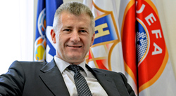 S-Davor-Suker_-President-of-the-Croatian-Football-Federation.jpg
