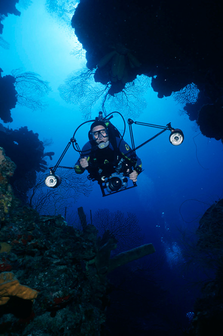 W-Blue_World_Jonathan_underwater2.jpg
