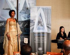 S-Pianist-Mun-Tzun-Wong-accompanies-marie-claire.jpg