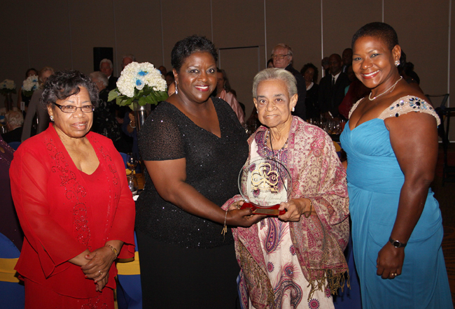 Bahamas-Girl-Guides---Presentation-to-Clarice-Granger.jpg