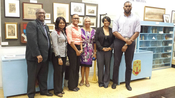 Pic-1--AMMC-Researchers-present-to-Bahamas-HIstorical-Society.jpg