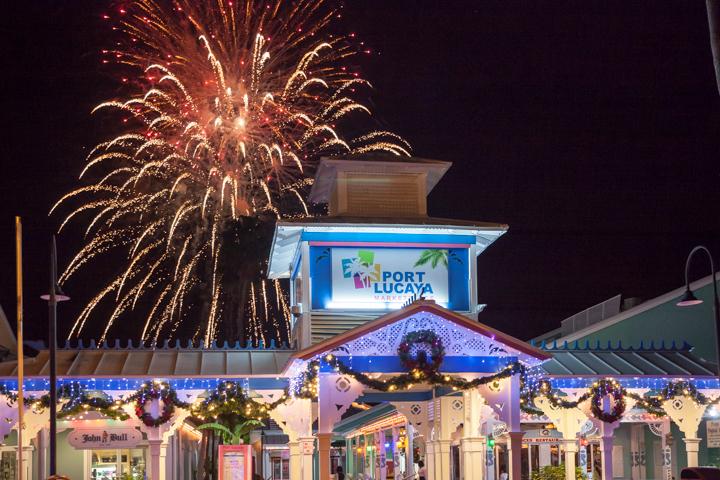 Port_Lucaya_fireworks_2015-6.jpg