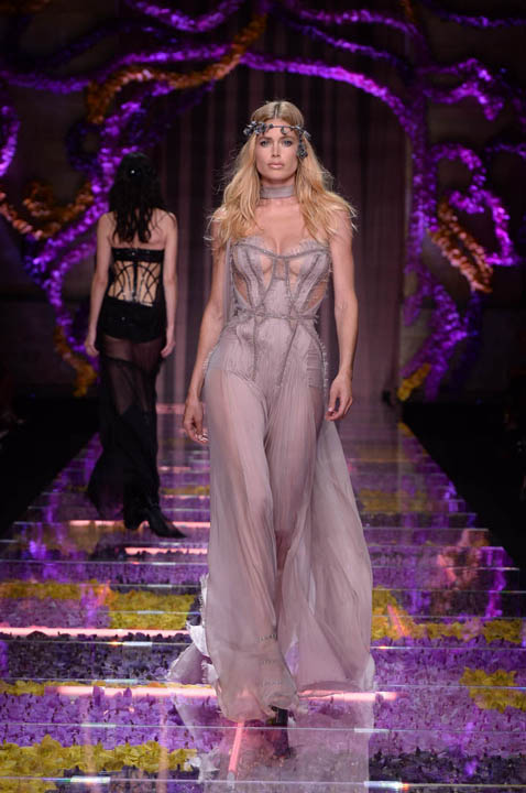 Versace_Couture-fall-winter-2016-4_1.jpg