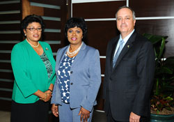 sm-L-R--PS-Lorraine-Armbrister_-CEO-of-NAD-Vernice-Walkine_-Vantage-Airport-Group-President-George-Casey.jpg