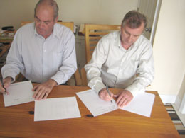sm-MOU-Signing-Picture-of-Paul-Day-on-the-Left-_-Howard-Nash-on-the-Right_1_.jpg