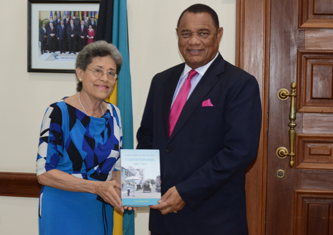 49963DR._GAIL_SAUNDERS_PRESENTS_PM_WITH_NEW_BOOK.jpg