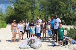 EARTHCARE_volunteers_at_Underwater_Cleanup_of_Discovery____Bay_1.jpg