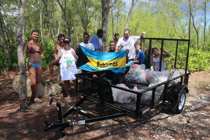 EARTHCARE_volunteers_with_the_results_of_the_Underwater____Cleanup.jpg