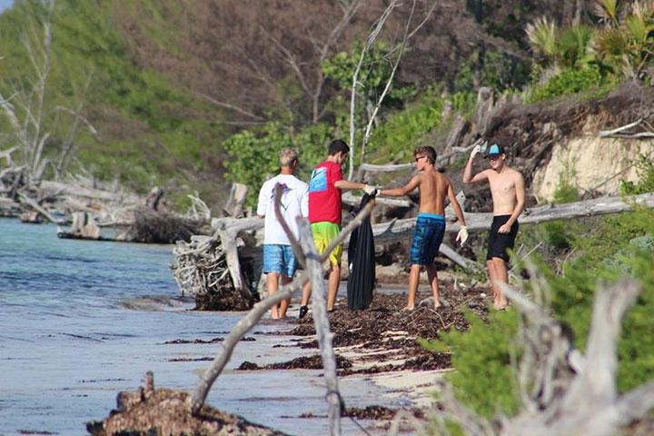 Lucaya-International-School-students-hard-at-work-during------International-Coastal-Cleanup-Day.jpg