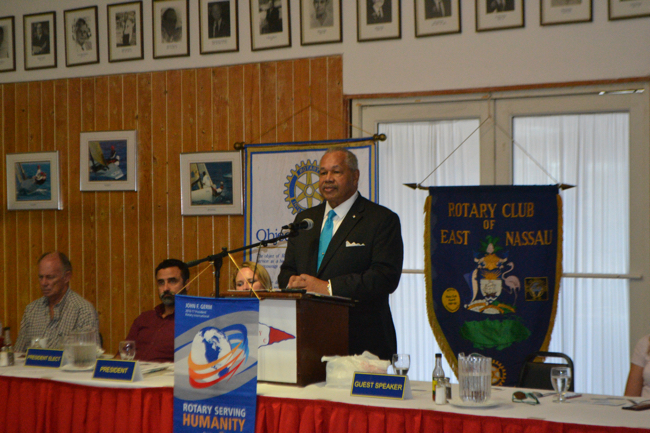 President_Smith_addresses_Rotary_1.jpg