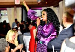 S-Bahamas-Entertainer.jpg
