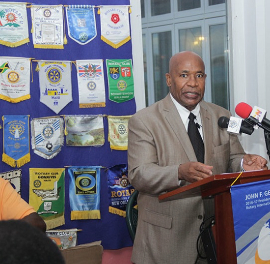 Sherlyn_Hall_Addresses_Rotary_Club_of_West_Nassau.jpg