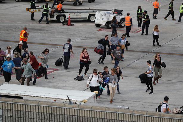 Shooter-Opens-Fire-In-Baggage-Claim-Area-At-Fort-Lauderdale-Airport_2.jpeg