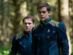 Star-Trek-Beyond-Anton-Yelchin-Chris-Pine.jpg