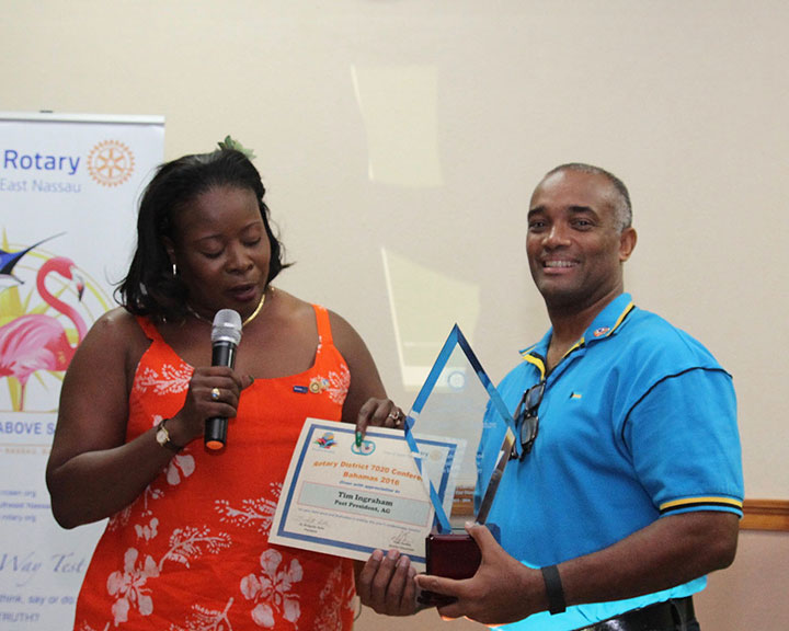 Tim-Ingraham-wins-Edwin-Deal-Award-RCSEN-July-2016.jpg