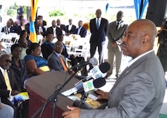 s-Minister_Wilchcombe_at_EMR_Administrative_Complex_Ground-breaking_1_.jpg