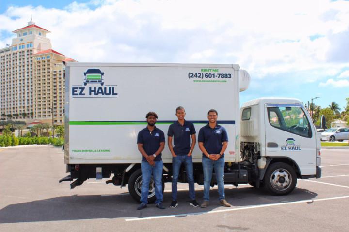 2018-03-05-3_EZ-Haul_Men_and_a_new_box_truck_1_.jpg