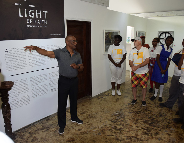 3_-_GSO___public_high_school_students_hear_the_inspiration_behind_Antonius_Roberts__Light_of_Faith__exhibition.jpg