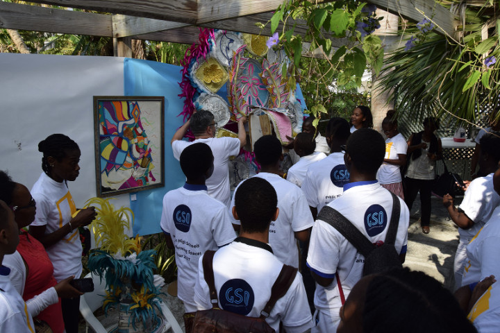 4_-_Art_Students_learn_about_the_original_drawings_and_costumes_for_the_Genesis_Junkanoo_Organizations_2016_season.jpg