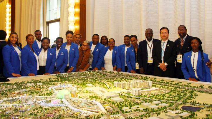5_Expo_2020_Bahamas_Team_at_Expo_2020_Master_Plan_Model_Oct_2017_8606_azaleta.jpg