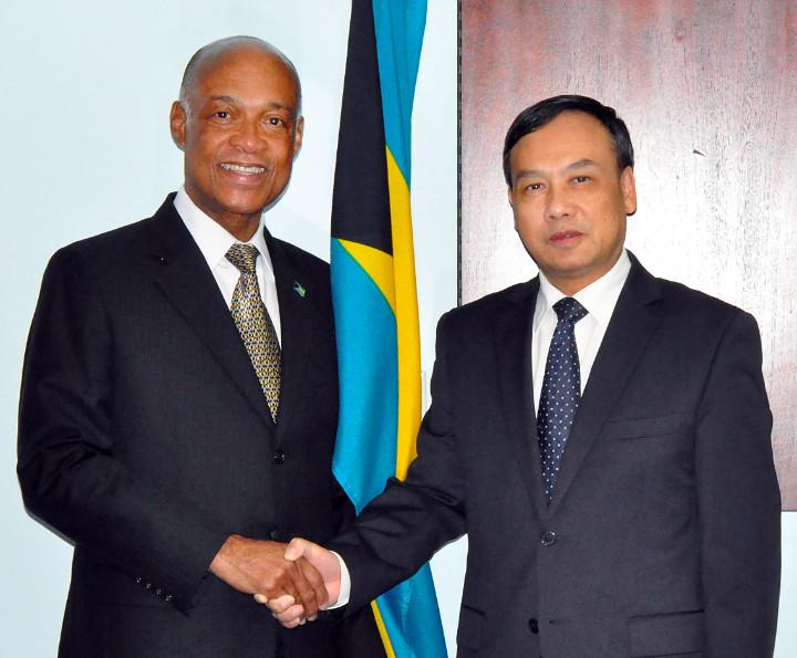 Chinese_Ambassador___Minister_Lloyd_PIC1.jpg