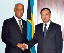 Chinese_Ambassador___Minister_Lloyd_PIC1_1.jpg