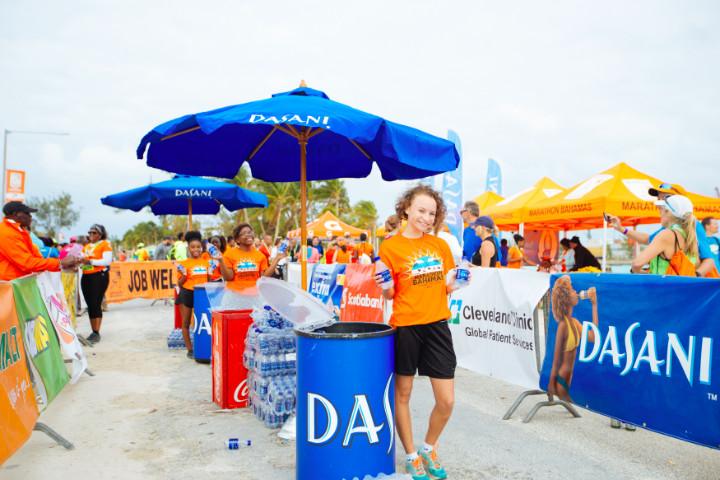 PHOTO_4_Marathon_Bahama_Volunteers_1_.jpg