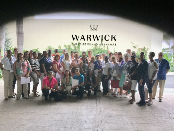 photo_mega_fam_group_warwick_hotel.jpg