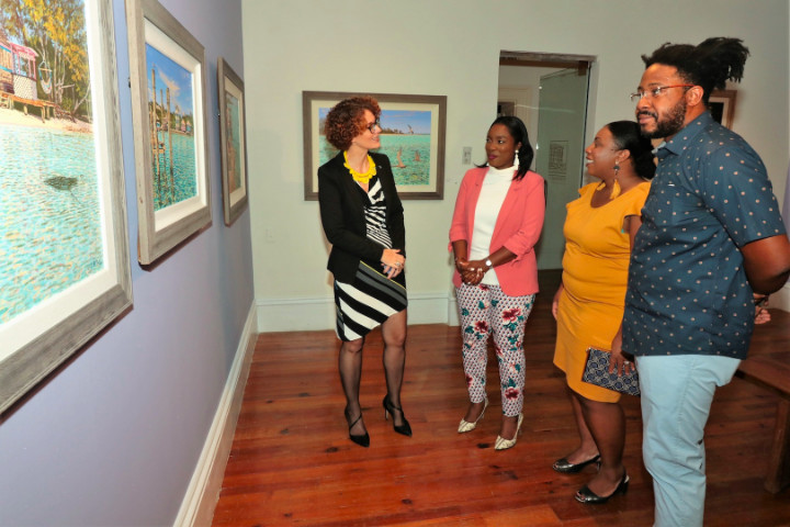 Amanda_Coulson_Chats_with_Minister_Rolle.jpg