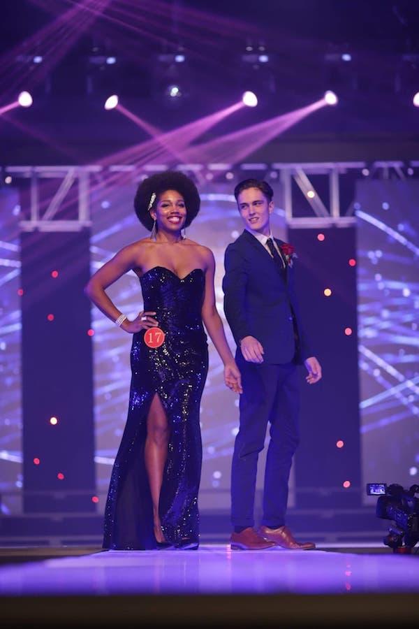 Anuschka_Wright_--_Miss_Globe_Canada_-_with_ecort_.jpg