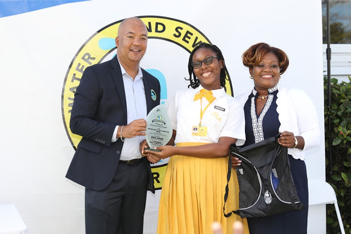 Ariel_Deane_with_Deputy_GM_Robert_Deal_and_Public_Affairs_Manager_Visna_Armbrister.jpg