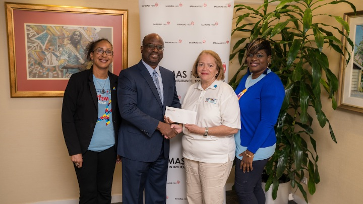 Bahamas_First_Donates_to_REACH-2.jpg