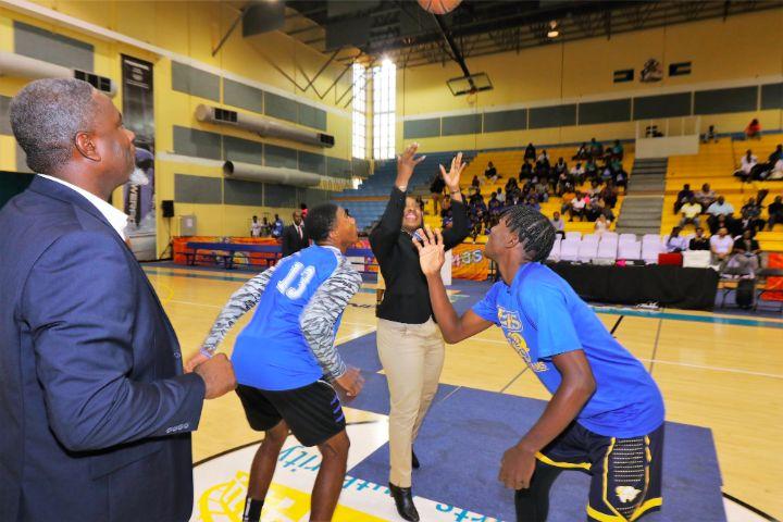 Basketball_Toss_Up_-_IMG_0726CaribKingsApril182019EricRose.jpg