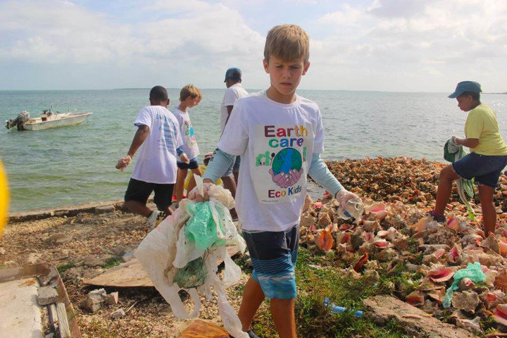Brody_Thompson__EARTHCARE_Eco_Kid_______________cleaning_the_mangroves_in_West_End.jpg