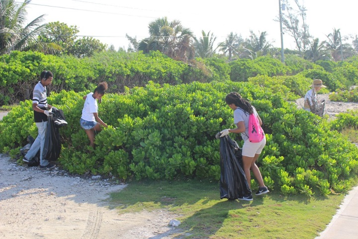 EARTHCARE_volunteers_cleaning_______________Williams_Town_Beach_in_honour_of_World_Oceans_Day_2019.jpg