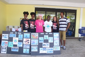 Ex_Dolphin_Trainer__Gail_Woon_and_EARTHCARE_Dolphin_Project_Volunteers_1.jpg