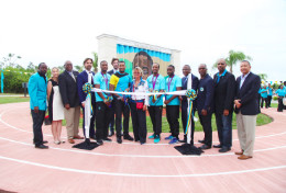GROUP_SHOT-RIBBON_CUTTING.jpg
