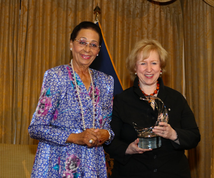 Governor_General_and_the_Rt._Hon._Kim_Campbell_-_2018_Women_of_Distinction_Awards_Ceremony.jpg