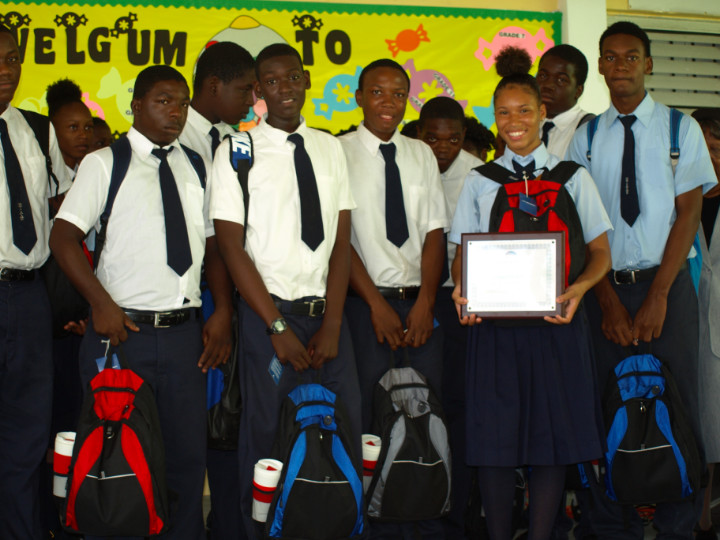 Group_Shot_of_Students_with__Schoolbags_2.jpg
