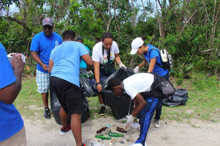 March_for_the_Oceans_participants____clean_the_raodside_on_the_way_to_Williams_Town_Beach.jpg