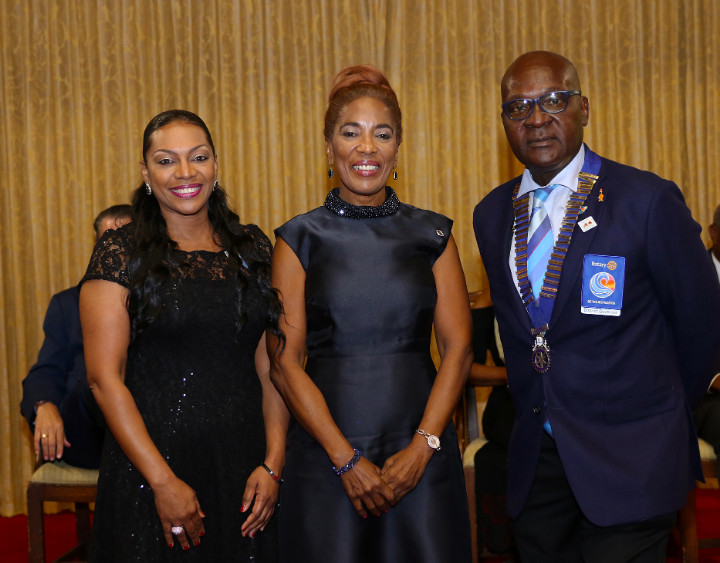 Mrs._Patricia_Minnis_Receives_Award_at_Rotary_Foundation_Gala.jpg